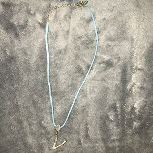 Metal V necklace